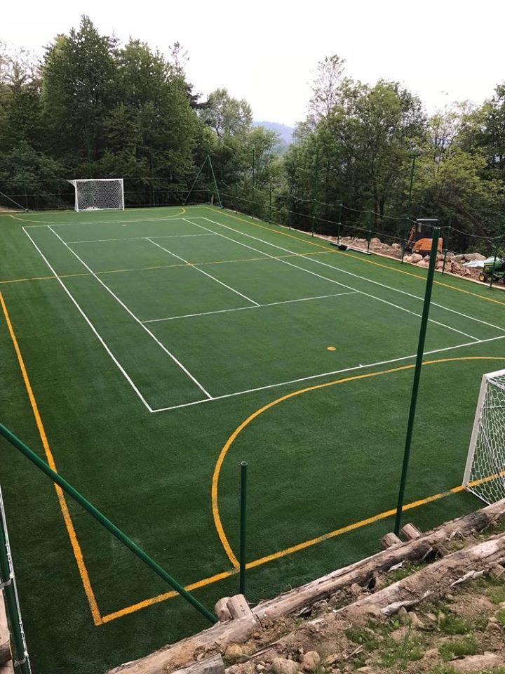 Campo sportivo in erba sintetica – Superga